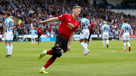 TRỰC TIẾP Huddersfield - Man United: Đêm diễn của Pogba ảnh 3