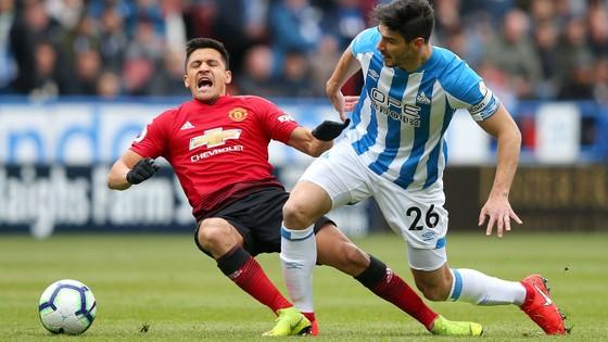 TRỰC TIẾP Huddersfield - Man United: Đêm diễn của Pogba ảnh 4