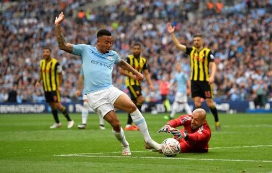 Man City - Watford 6-0: Silva, Jesus, Sterling mang về cú ăn ba cho Pep