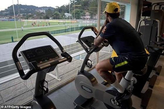 Neymar mong manh