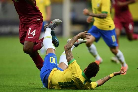 Chấn thương Neymar không nghiêm trọng: chỉ dưỡng thương trong 4 tuần