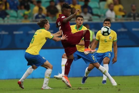 TRỰC TIẾP Brazil - Venezuela: Arthur trở lại, Selecao săn tìm bàn thắng ảnh 4