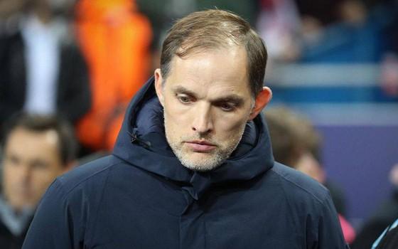 Thomas Tuchel khó trụ lại PSG trước Leonardo?