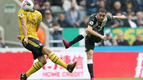 Newcastle - Arsenal 0-1, Aubameyang giúp Pháo thủ hạ gục Chích chòe ảnh 6