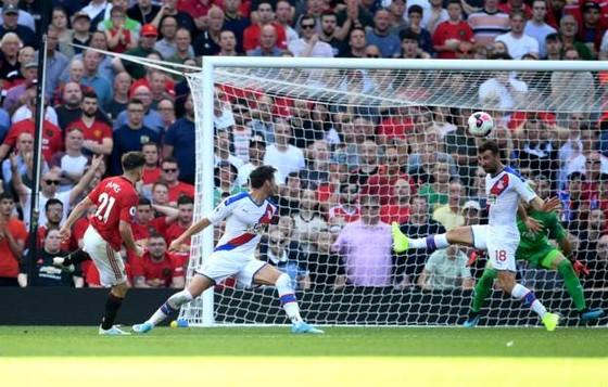 Man United - Crystal Palace 1-2: Sụp đổ phút cuối cùng ảnh 10