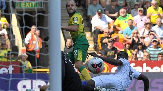 Norwich City - Chelsea 2-3: Abraham ghi cú đúp, Lampard giành chiến thắng đầu tay ảnh 7