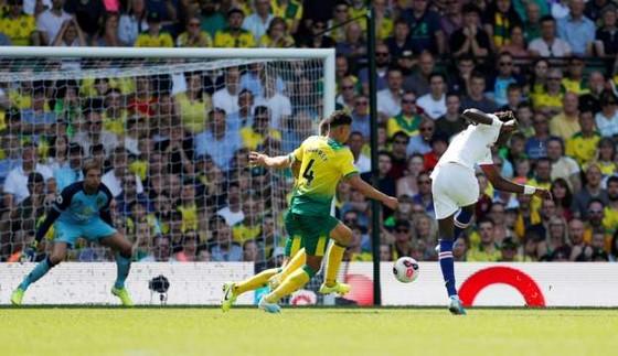 Norwich City - Chelsea 2-3: Abraham ghi cú đúp, Lampard giành chiến thắng đầu tay ảnh 10