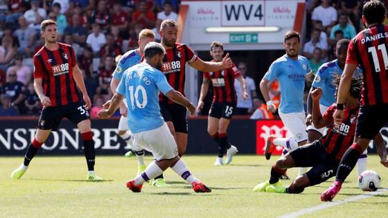 Bournemouth - Man City 1-3  Aguero ghi cú đúp, The Citizens chiếm ngôi nhì bảng ảnh 3