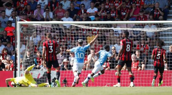 Bournemouth - Man City 1-3  Aguero ghi cú đúp, The Citizens chiếm ngôi nhì bảng ảnh 7