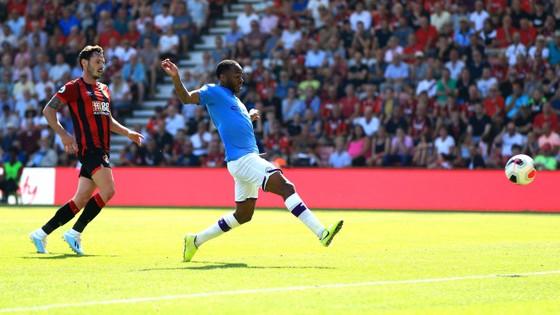 Bournemouth - Man City 1-3  Aguero ghi cú đúp, The Citizens chiếm ngôi nhì bảng ảnh 6