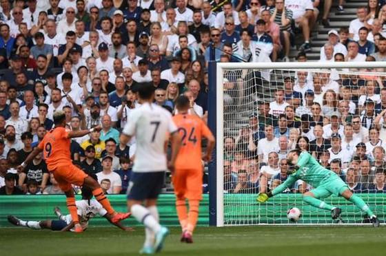 Tottenham - Newcastle 0-1, Gà trống mờ nhạt, Joelinton ghi chiến thắng cho Chích chòe ảnh 5