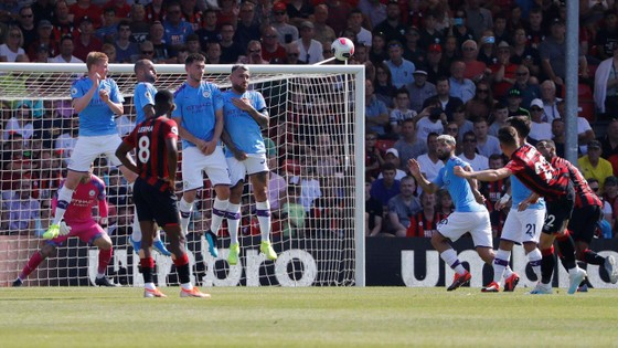 Bournemouth - Man City 1-3  Aguero ghi cú đúp, The Citizens chiếm ngôi nhì bảng ảnh 9