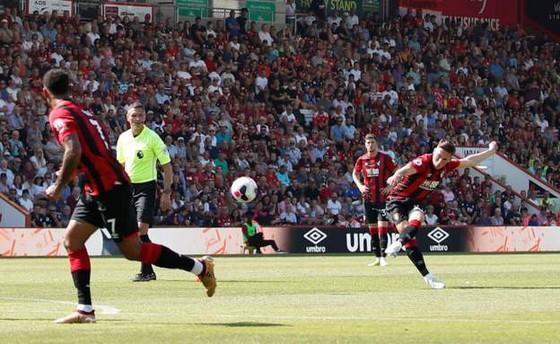 Bournemouth - Man City 1-3  Aguero ghi cú đúp, The Citizens chiếm ngôi nhì bảng ảnh 8
