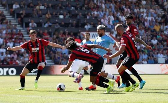 Bournemouth - Man City 1-3  Aguero ghi cú đúp, The Citizens chiếm ngôi nhì bảng ảnh 11