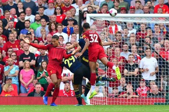 Liverpool - Arsenal 3-1: Salah ghi cú đúp, nhấn chìm Pháo thủ ảnh 7