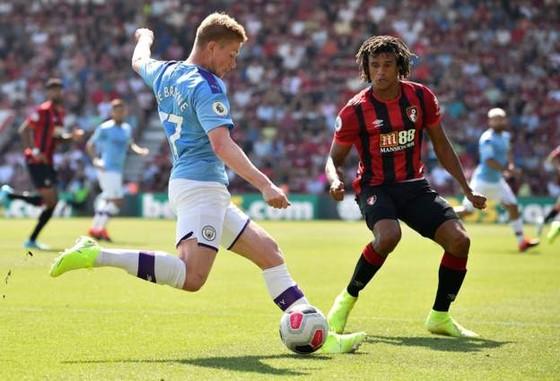 Bournemouth - Man City 1-3  Aguero ghi cú đúp, The Citizens chiếm ngôi nhì bảng ảnh 4