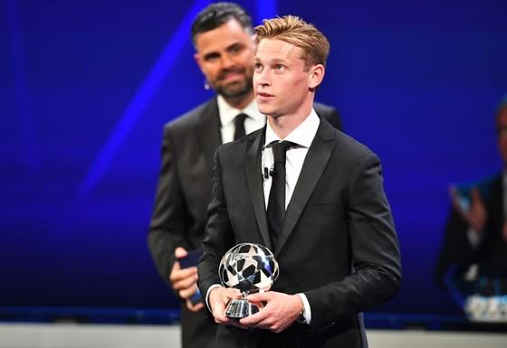 Barca, Dortmund, Inter vào bảng tử thần, Van Dijk giành 2 giải thưởng ảnh 1