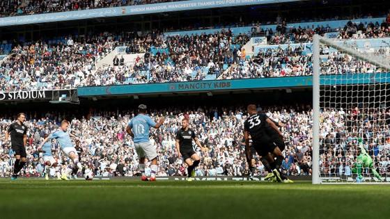 Man City - Brighton 4-0: Aguero ghi cúp đúp   ảnh 3