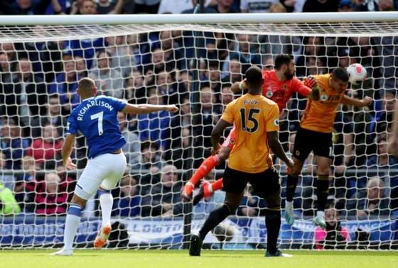 Everton - Wolves 3-2: Richarlison ghi cú đúp, Iwobi góp sức hạ gục Bầy sói ảnh 4