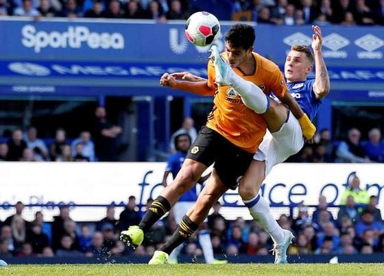 Everton - Wolves 3-2: Richarlison ghi cú đúp, Iwobi góp sức hạ gục Bầy sói ảnh 9