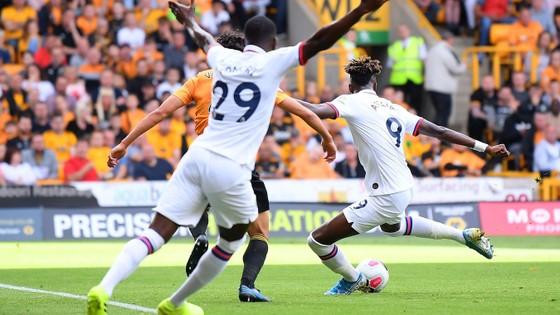 Wolves - Chelsea 2-5: Abraham ghi hattrick gây sốc cho bầy sói ảnh 4