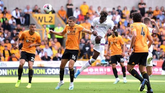 Wolves - Chelsea 2-5: Abraham ghi hattrick gây sốc cho bầy sói ảnh 5