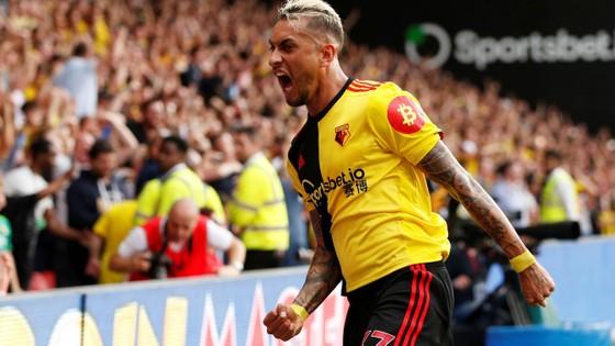 Watford - Arsenal 2-2: Auba ghi cú đúp, Sokratis, Luiz tặng quà Flores ảnh 10