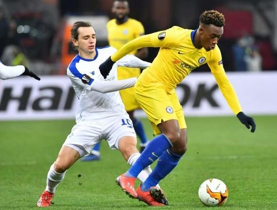 Chelsea chi lương 11 triệu bảng để giữ chân Hudson-Odoi