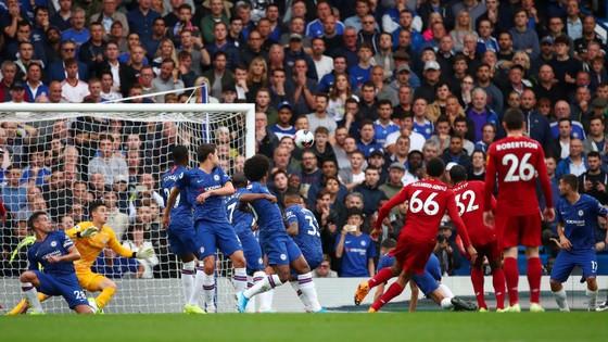 Chelsea - Liverpool 1-2: Nghệ thuật sút phạt The Kop, Kante ghi tuyệt phẩm ảnh 3