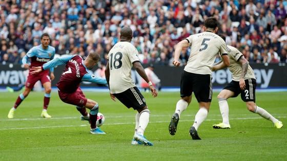 West Ham - Man United 2-0: Quỷ đỏ thảm bại. tụt xuống thứ 8 ảnh 4