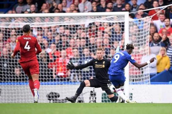 Chelsea - Liverpool 1-2: Nghệ thuật sút phạt The Kop, Kante ghi tuyệt phẩm ảnh 4