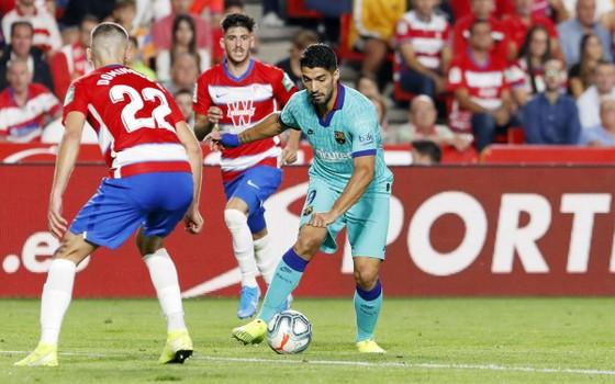 Kết quả và bảng xếp hạng La Liga vòng 5: Barcelona thua sốc ở Granada