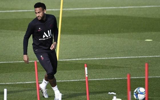 Thử thách tinh thần cho Neymar