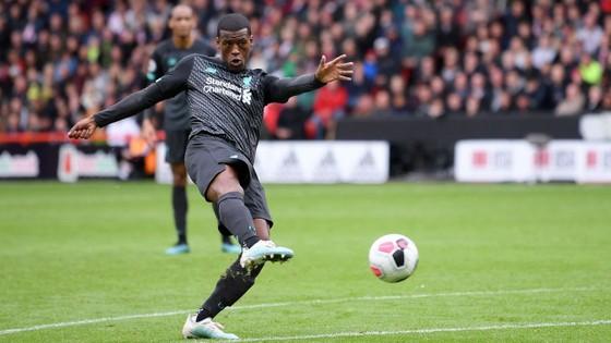 Sheffield United - Liverpool 0-1: Thủ thành Henderson tặng quà, Wijnaldum ghi điểm ảnh 9