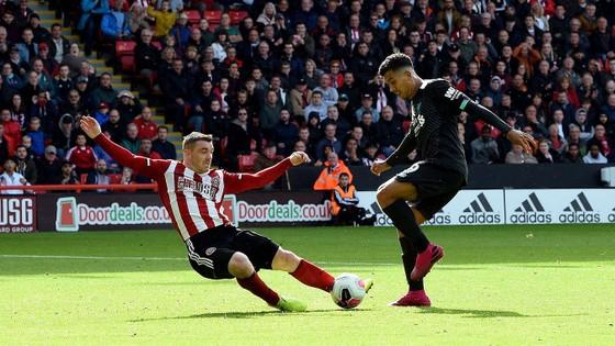 Sheffield United - Liverpool 0-1: Thủ thành Henderson tặng quà, Wijnaldum ghi điểm ảnh 7