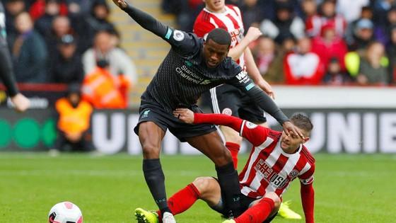 Sheffield United - Liverpool 0-1: Thủ thành Henderson tặng quà, Wijnaldum ghi điểm ảnh 4