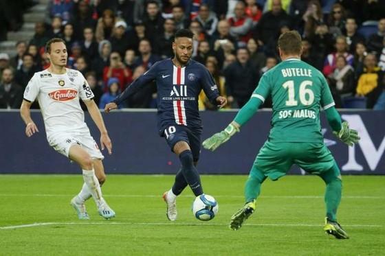 Pha ghi bàn thắng của Neymar