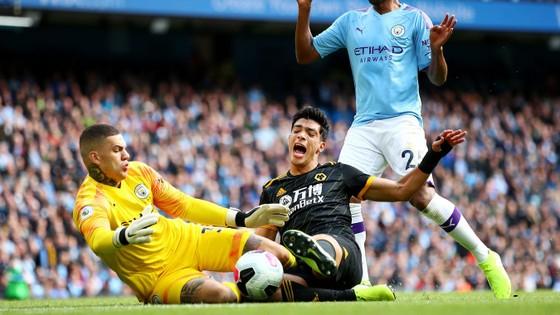 Man City - Wolves 0-2: Adama Traore ghi cú đúp, hạ gục nhà vô địch ảnh 4