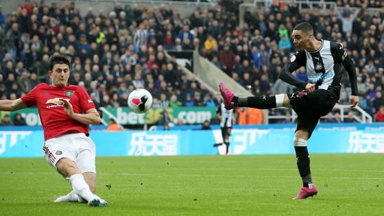 Newcastle - Man United 1-0: Nhóc Longstaff ghi bàn, Chích chòe nhấn chìm Quỷ đỏ ảnh 4