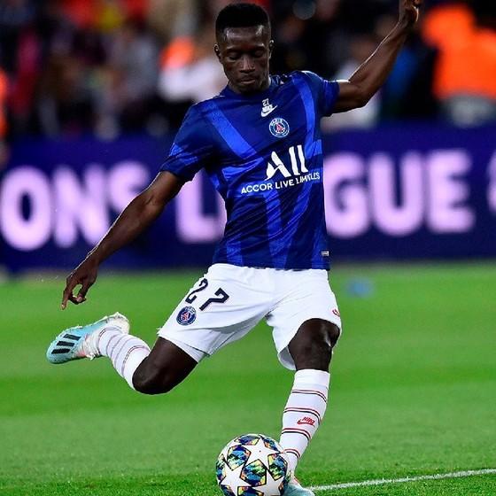 """""""Thần may mắn"""" Idrissa Gueye phải nghỉ 10 ngày"""