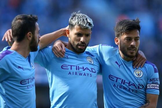 SErgio Aguero (giữa) sẽ trở lại đội hình chính