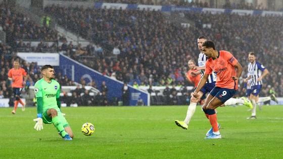 Brighton - Everton 3-2: Lucas Digne đốt lưới nhà giúp Mồng biển thắng ngược phút cuối ảnh 6