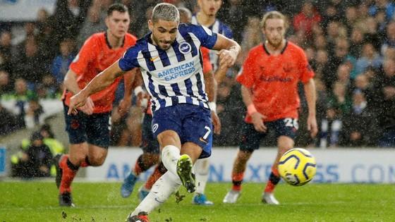 Brighton - Everton 3-2: Lucas Digne đốt lưới nhà giúp Mồng biển thắng ngược phút cuối ảnh 7