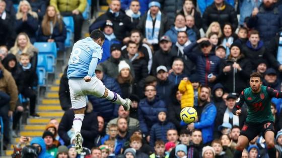 Man City - Aston Villa 3-0: Sterling, De Bruyne và Gundogan ghi tuyệt phẩm ảnh 12