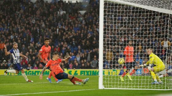 Brighton - Everton 3-2: Lucas Digne đốt lưới nhà giúp Mồng biển thắng ngược phút cuối ảnh 8
