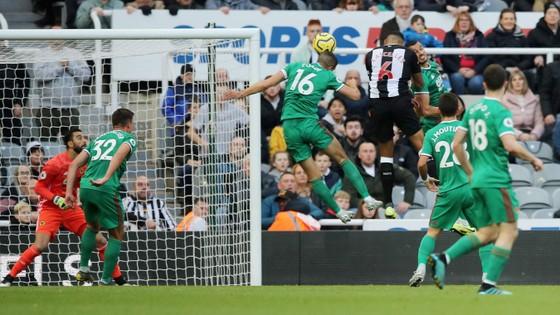 Newcastle - Wolves 1-1: Jonny giành lại điểm cho Bầy sói ảnh 3