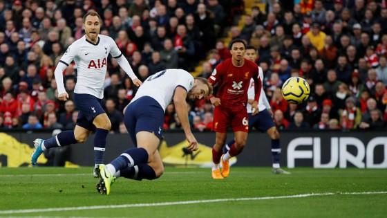 Thắng Tottenham, Liverpool vươn đến đỉnh cao phong độ. ảnh 1
