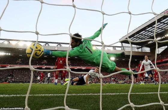 Thắng Tottenham, Liverpool vươn đến đỉnh cao phong độ. ảnh 3