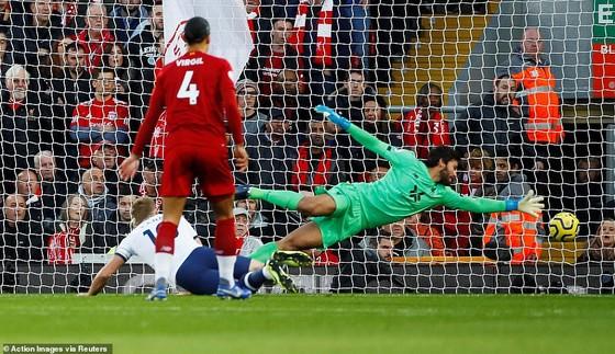 Thắng Tottenham, Liverpool vươn đến đỉnh cao phong độ. ảnh 2