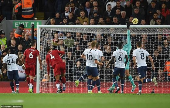 Thắng Tottenham, Liverpool vươn đến đỉnh cao phong độ. ảnh 4